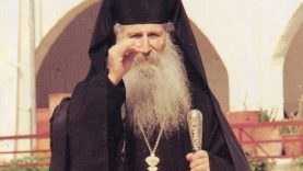 Άγιος Ιάκωβος Τσαλίκης – Ένα παιδί που ήταν Άγιο – Ένας Άγιος που έμεινε παιδί