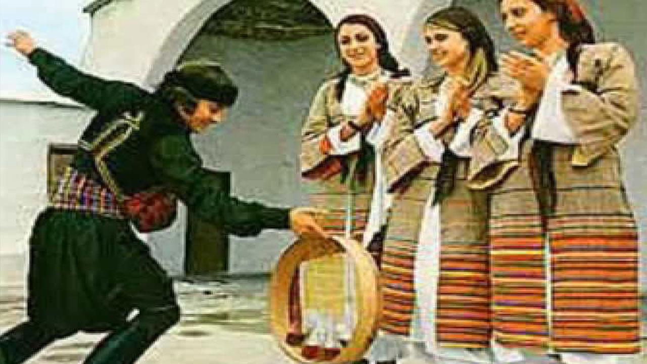 Ο τόπος και οι χοροί του: «Τατσιά»