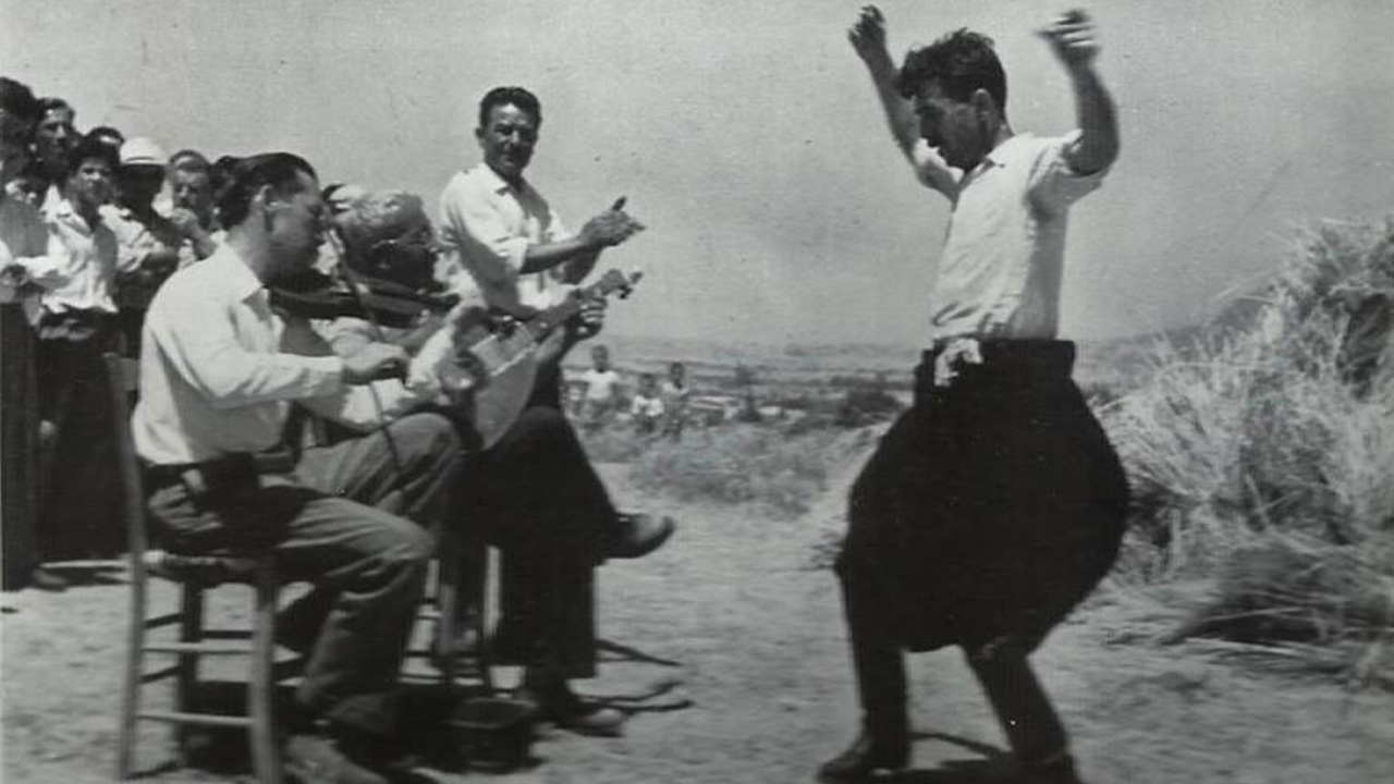 Ο τόπος και οι χοροί του: «Ζεϊμπέκικο»
